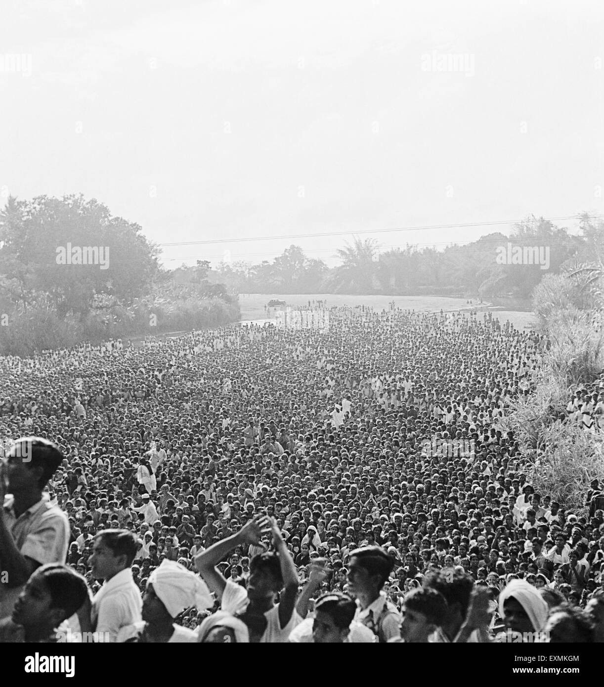 Crowds of people wish to meet Mahatma Gandhi at Madras ; 1946 - Stock Image