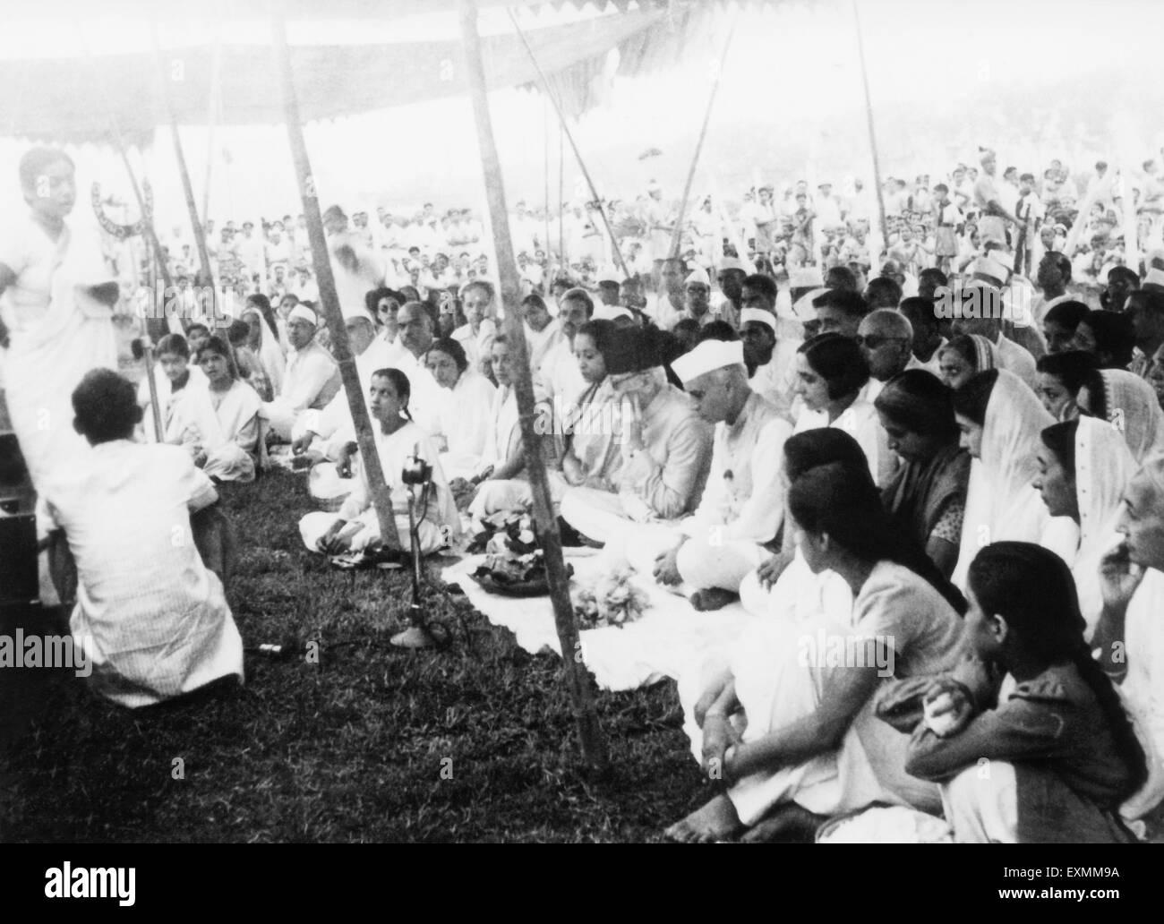 On 31st January 1948 at Rajghat New Delhi Sucheta Kripalani Abdul Kalam Maulana Azad ; Jawaharlal Nehru Mridulabehn - Stock Image