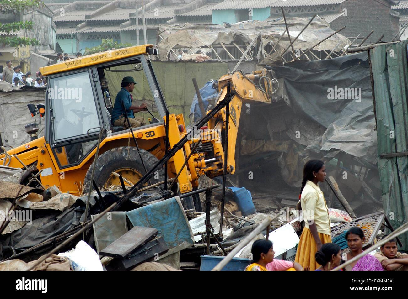 Slum demolition ; Mankhurd link road ; Bombay ; Mumbai ; Maharashtra ; India ; Asia Stock Photo