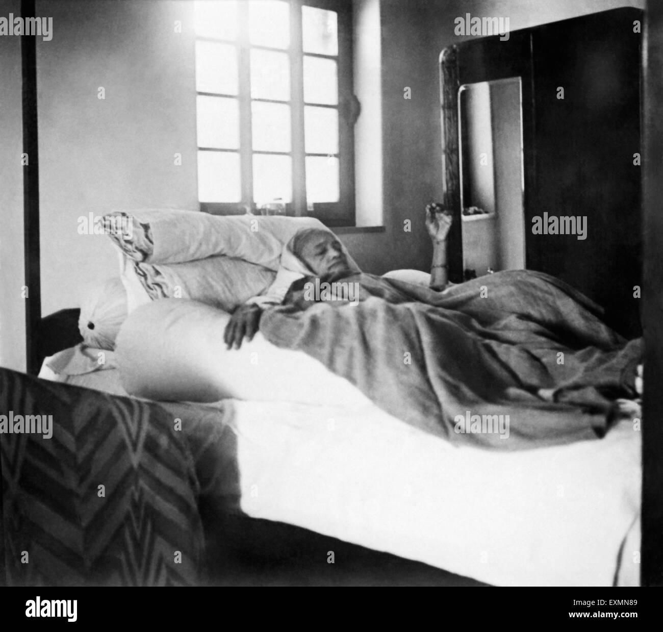 Kasturba Gandhi at Calcutta ; 1940 ; India NO MR - Stock Image