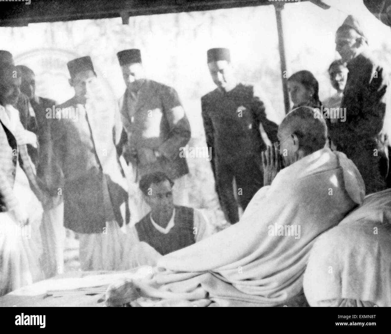 Mahatma Gandhi with members of the Birla family at Khadi Pratishthan ; Sodepur ; 24 Parganas ; Calcutta - Stock Image
