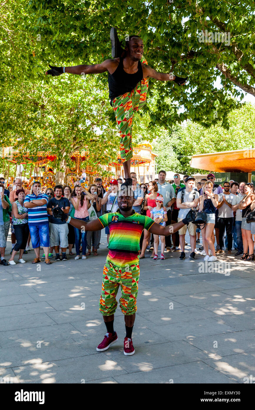 Street Entertainers, The Southbank, London, England - Stock Image