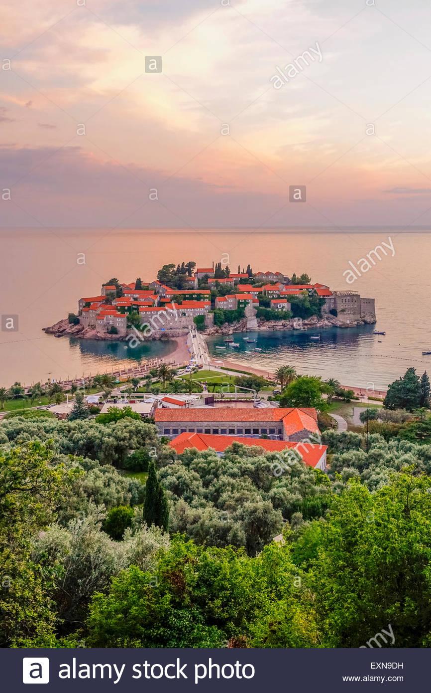 Montenegro, Peninsula Sveti Stefan, View to luxus resort in the evening - Stock Image