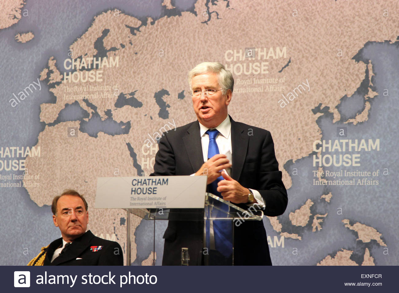 London, United Kingdom. 15th July, 2015. UK Defence Secretary Michael Fallon addresses a meeting at Chatham House Stock Photo