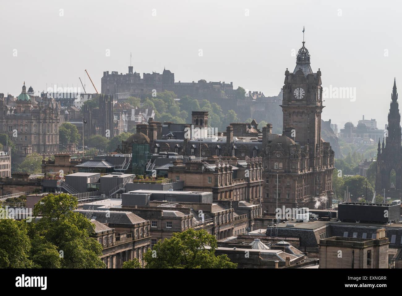 Traveling to Edinburgh - Stock Image