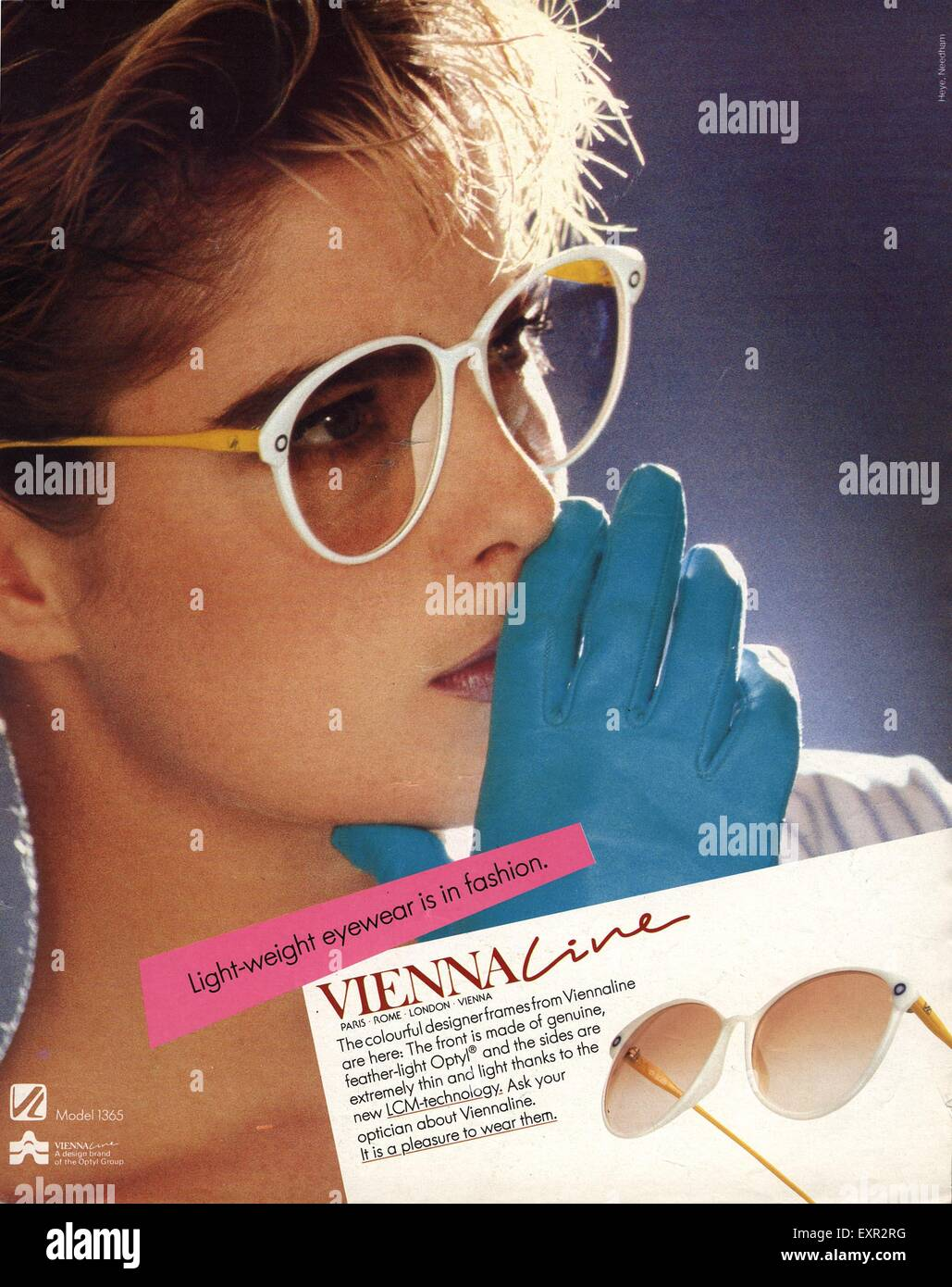 1980s UK Vienna Cine Sunglasses Magazine Advert - Stock Image