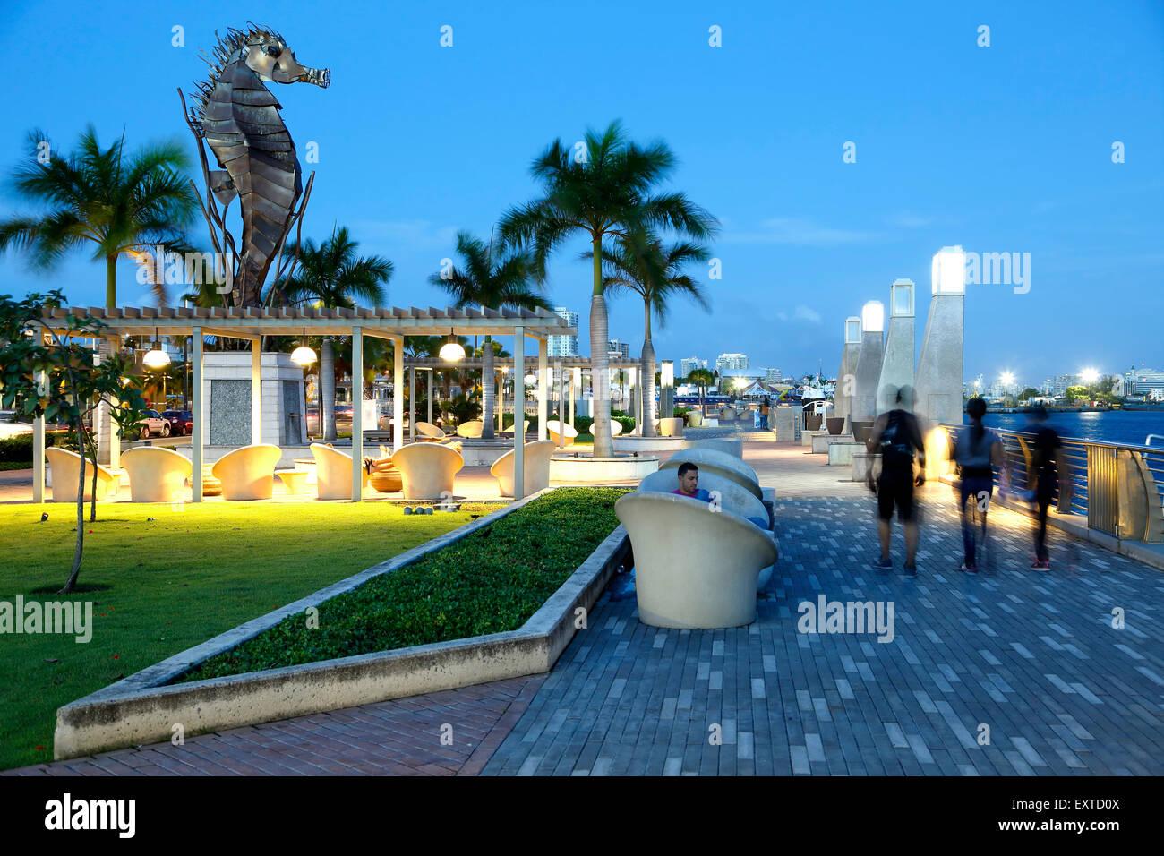 Seahorse sculpture and malecon (walkway), Bahia Urbana (Urban Bay), Old San Juan, Puerto Rico - Stock Image