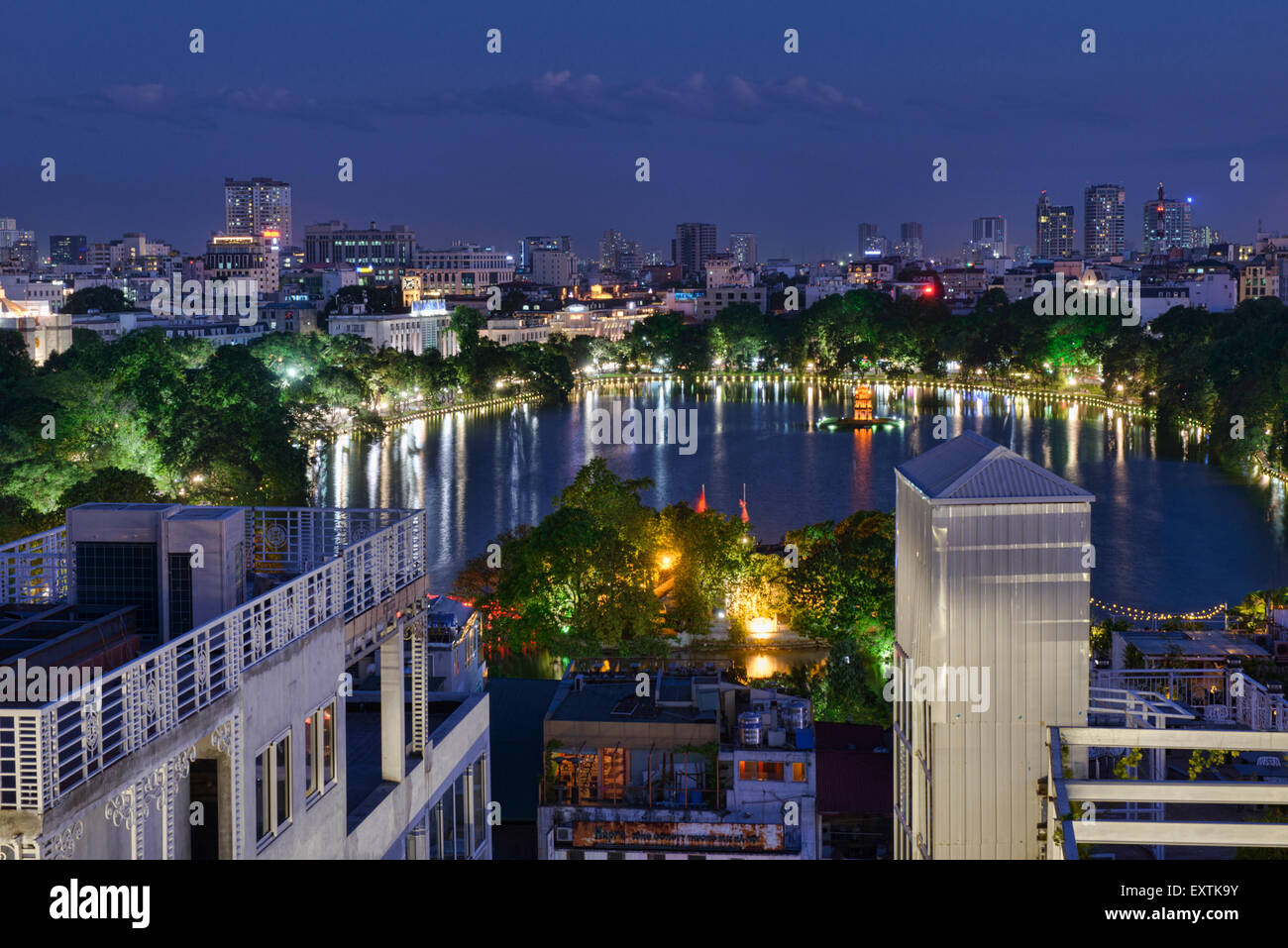 View of Hoan Kiem Lake at night, Hanoi, Vietnam - Stock Image