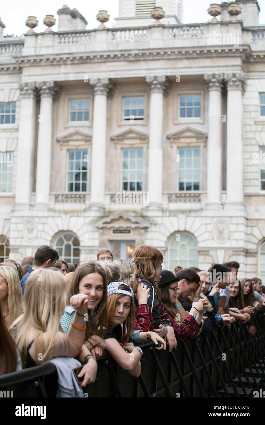 London, UK 16th July 2015. James Bay, Summer Series, Somerset House. © Robert Stainforth/Alamy Stock Photo