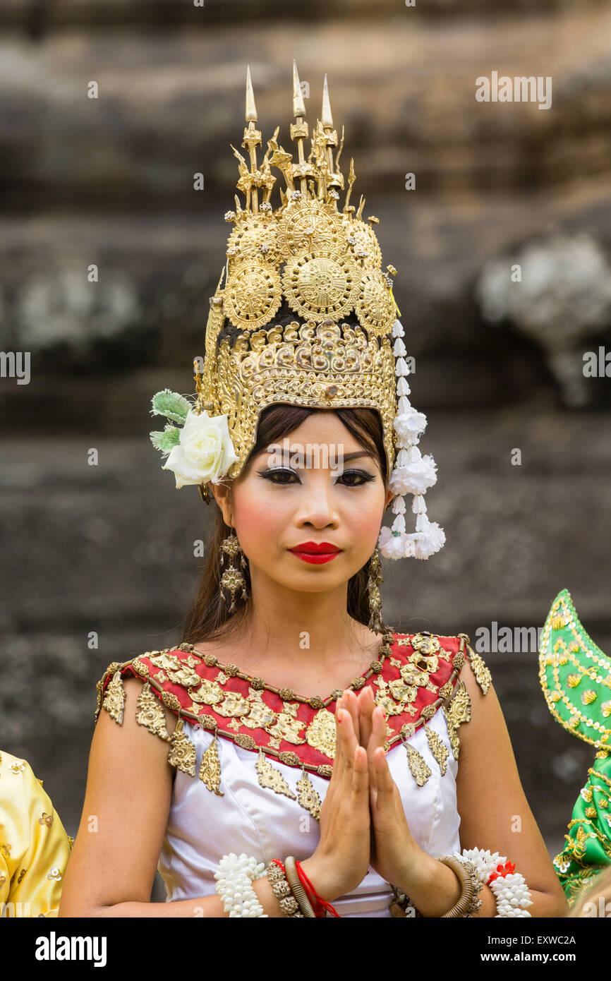 Temple dancer, Apsara dancer in the temple Angkor Wat, Siem Reap Province, Cambodia - Stock Image
