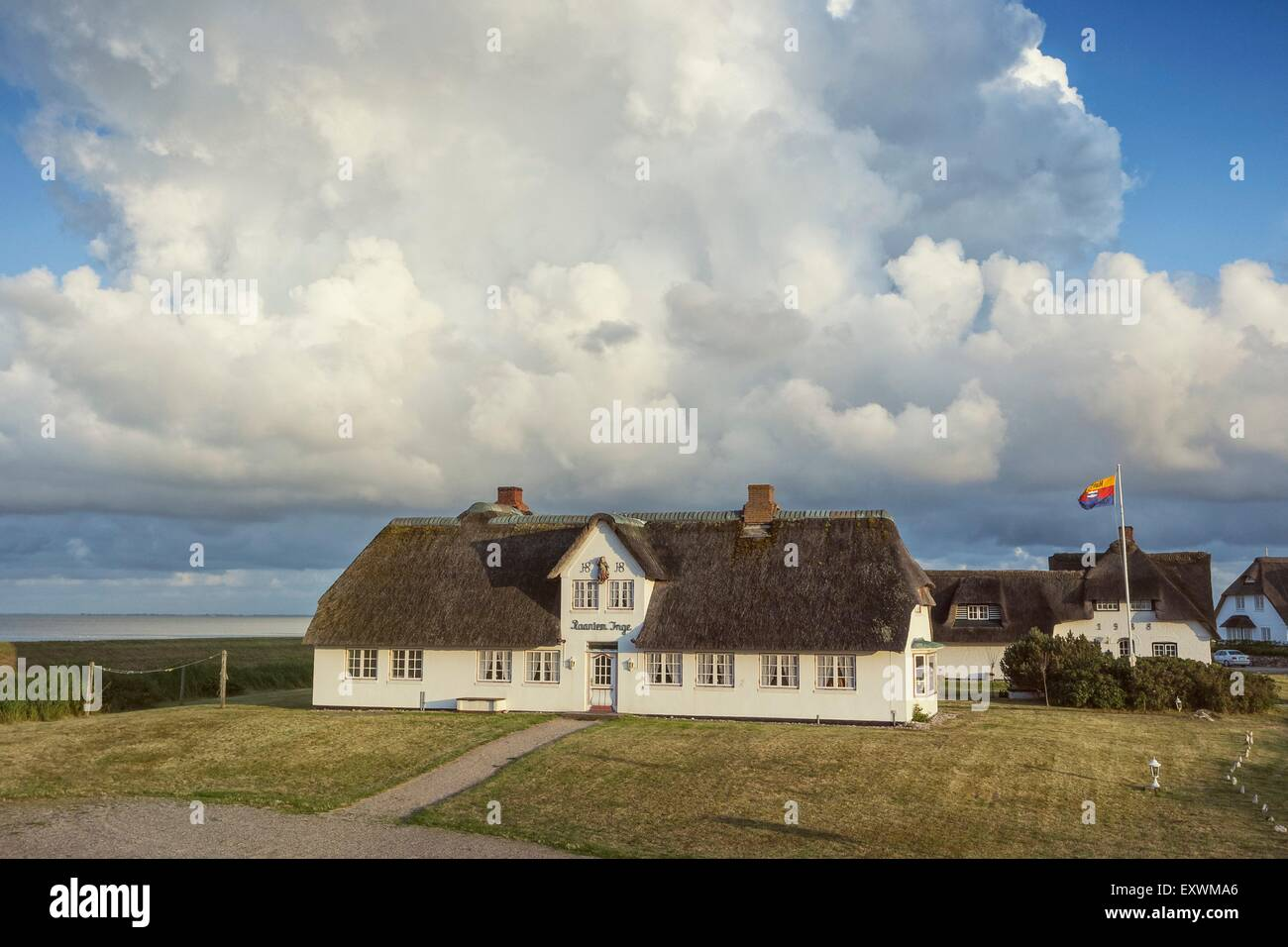 Thatched-roof house Raantem Inge in Rantum, Sylt, Germany - Stock Image