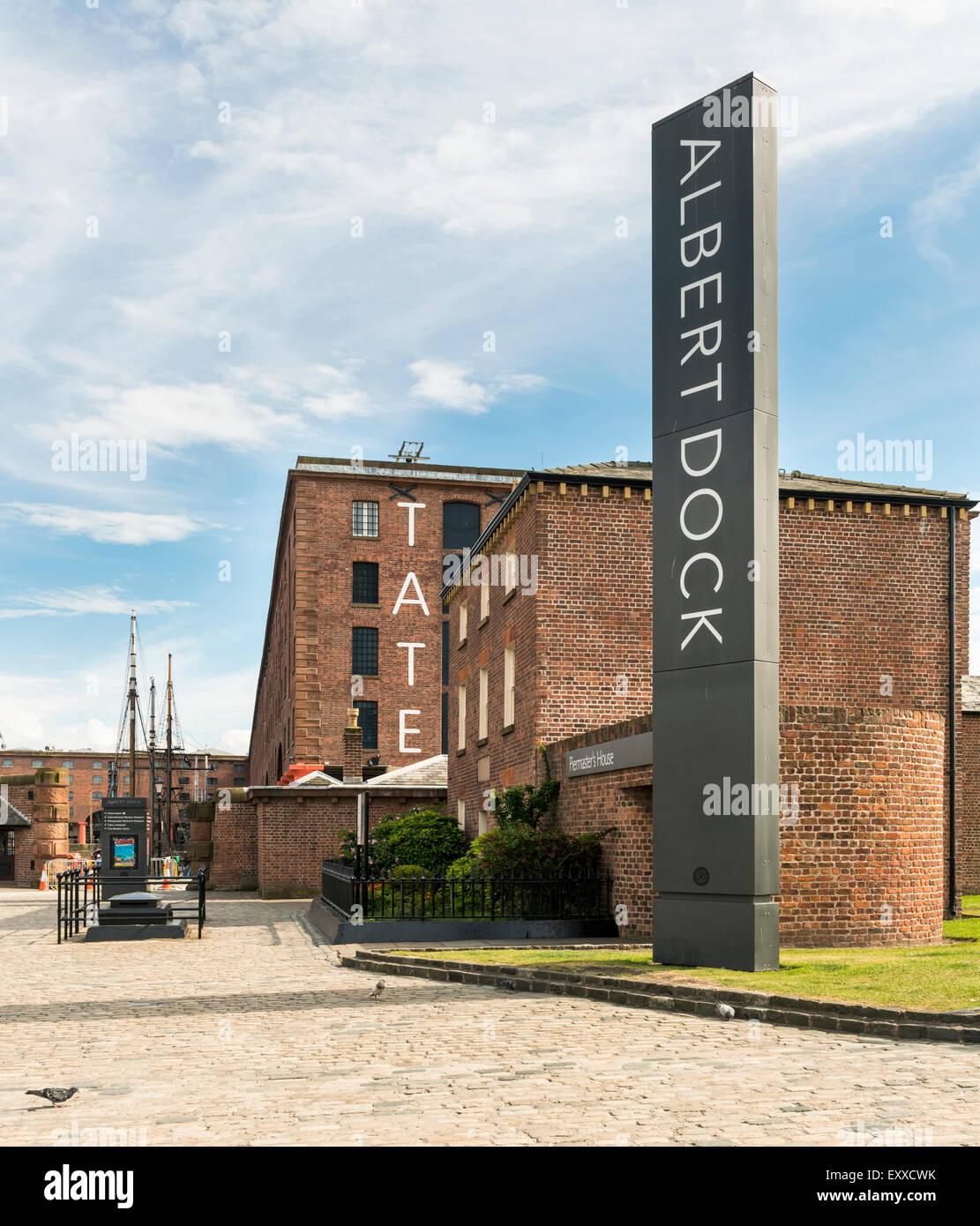 Albert Dock and Tate Liverpool, UK - Stock Image
