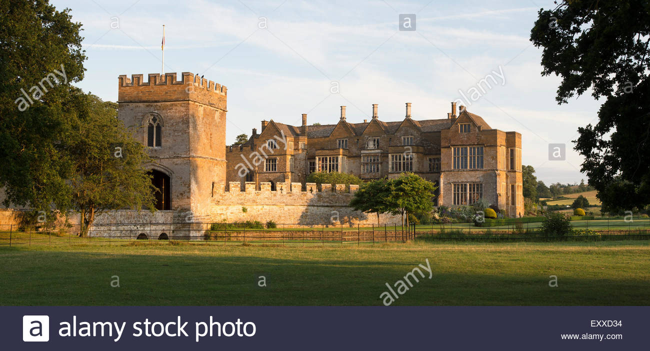 Broughton castle in the evening summer sunlight. Near Banbury, Oxfordshire, England Stock Photo