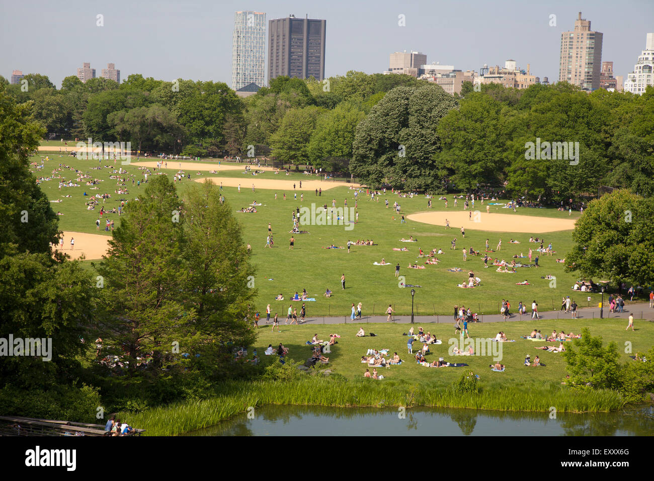 Turtle Pond and The Great Lawn in Central Park New York City - Stock Image