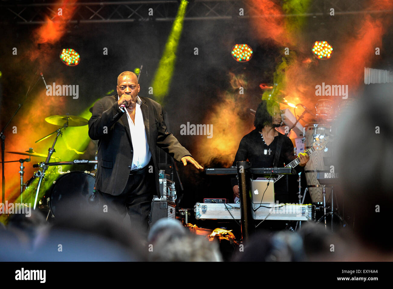 Brentwood, Essex.  17th July, 2015.  The 80's singer Alexander O'Neal entertains a sell-out crowd at the Brentwood - Stock Image