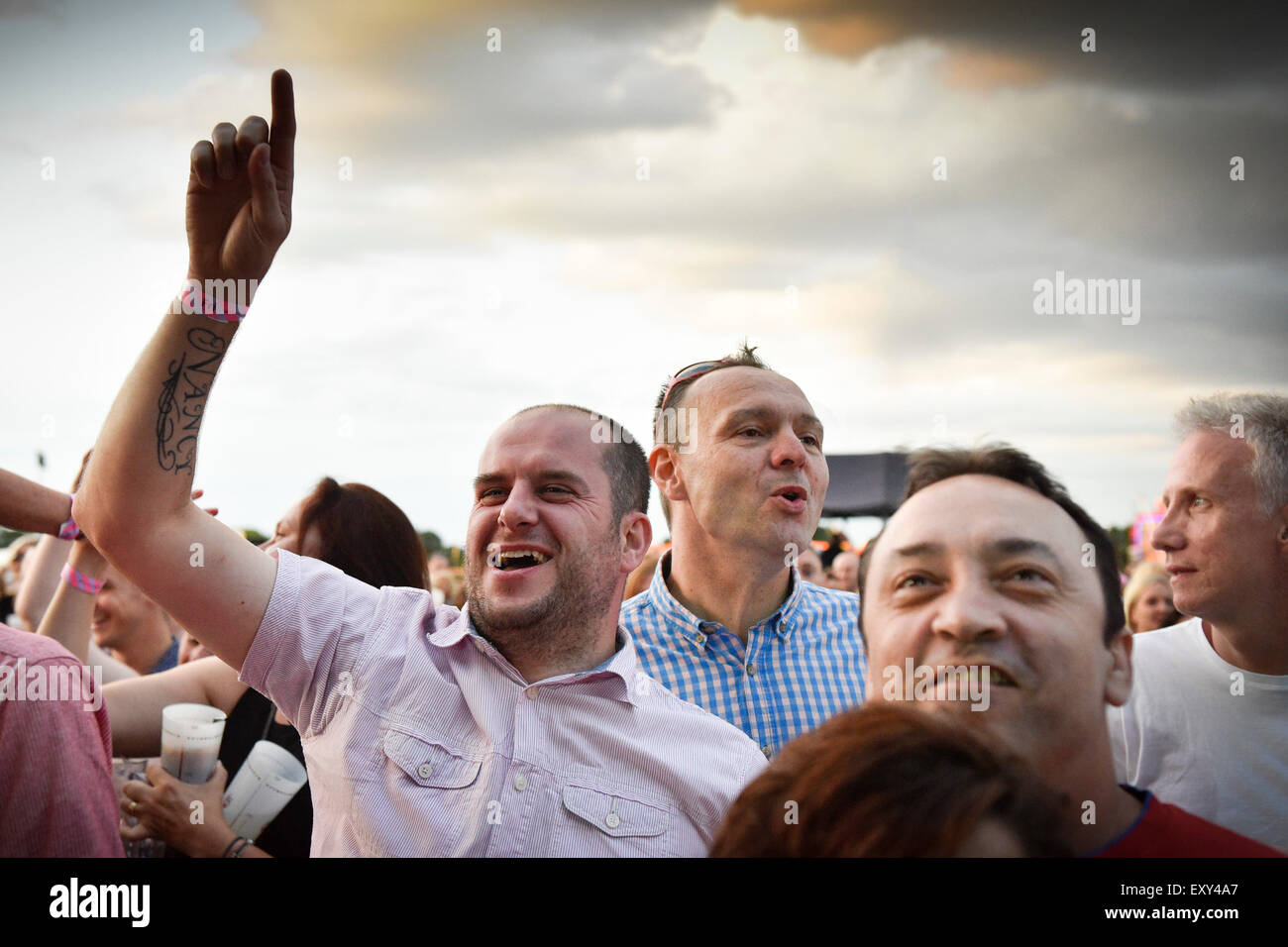 Brentwood, Essex.  17th July, 2015.  Party time as festivalgoers enjoy the entertainment at this year's sell-out - Stock Image