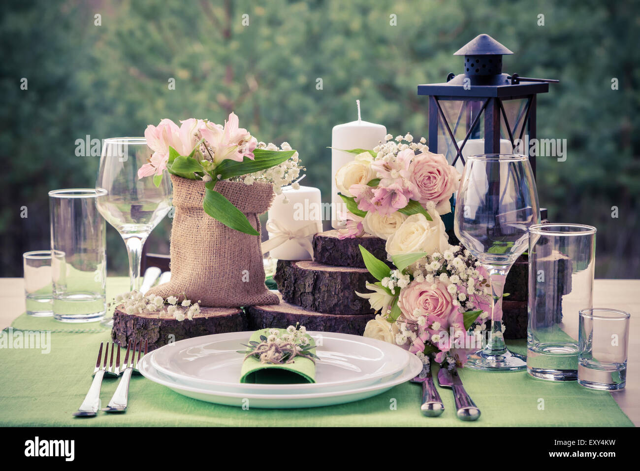 Wedding Table Setting Stock Photos & Wedding Table Setting Stock ...
