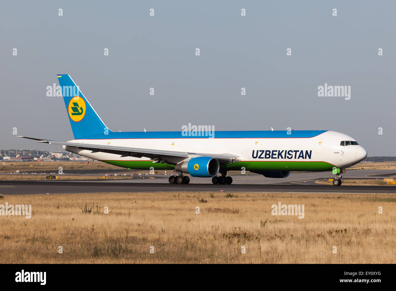 Boeing 767-300 of the Uzbekistan Airways ready for take off at the Frankfurt International Airport - Stock Image