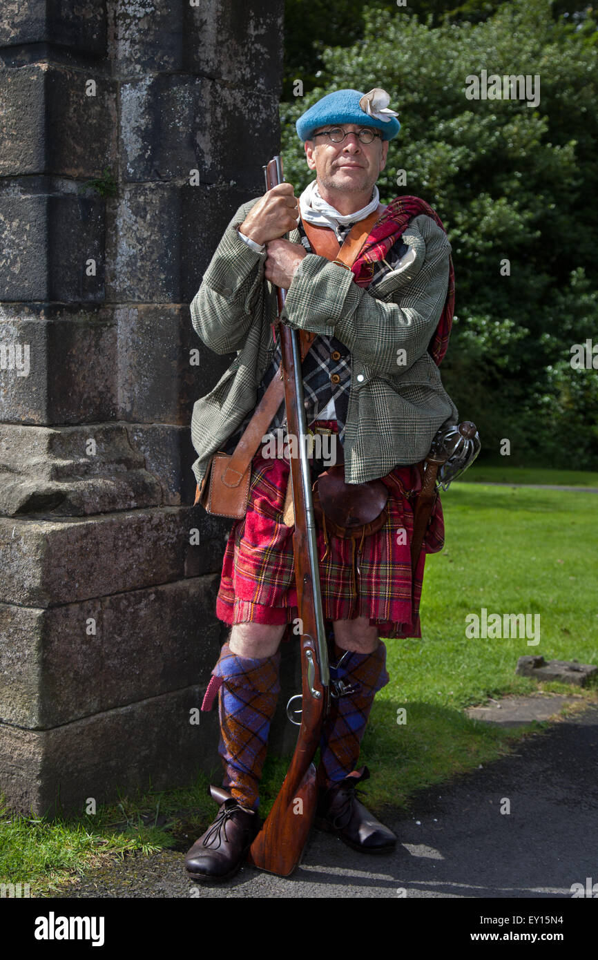 Hoghton Towers, Chorley, Lancashire, UK. 19th July, 2015. Mr Mark Bleay from Middlewich, a  Jacobite at the Battle Stock Photo
