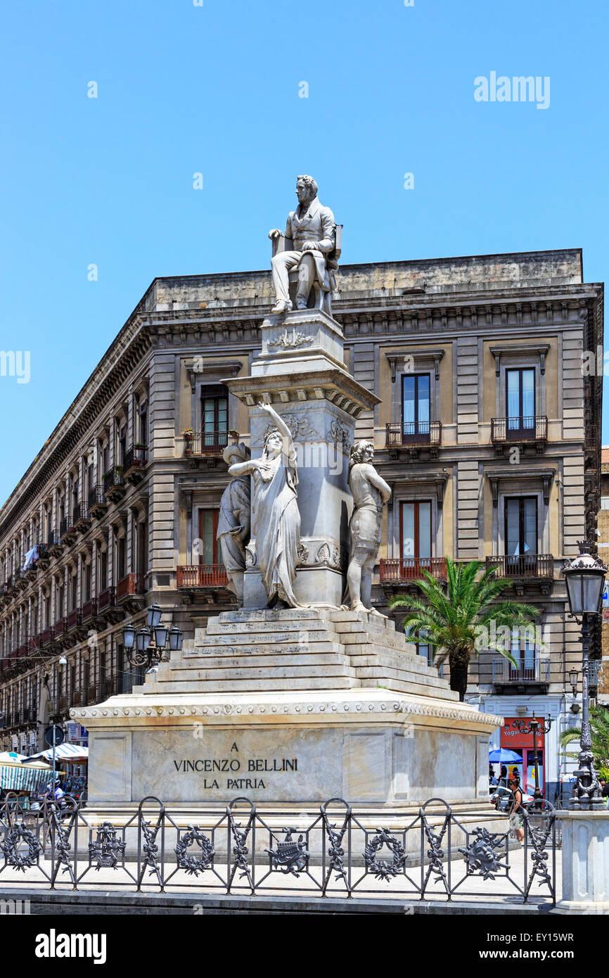 Piazza Stesicoro, Catania, Sicily with the statue of the 18th century opera composer Vincenzo Bellini who was born - Stock Image