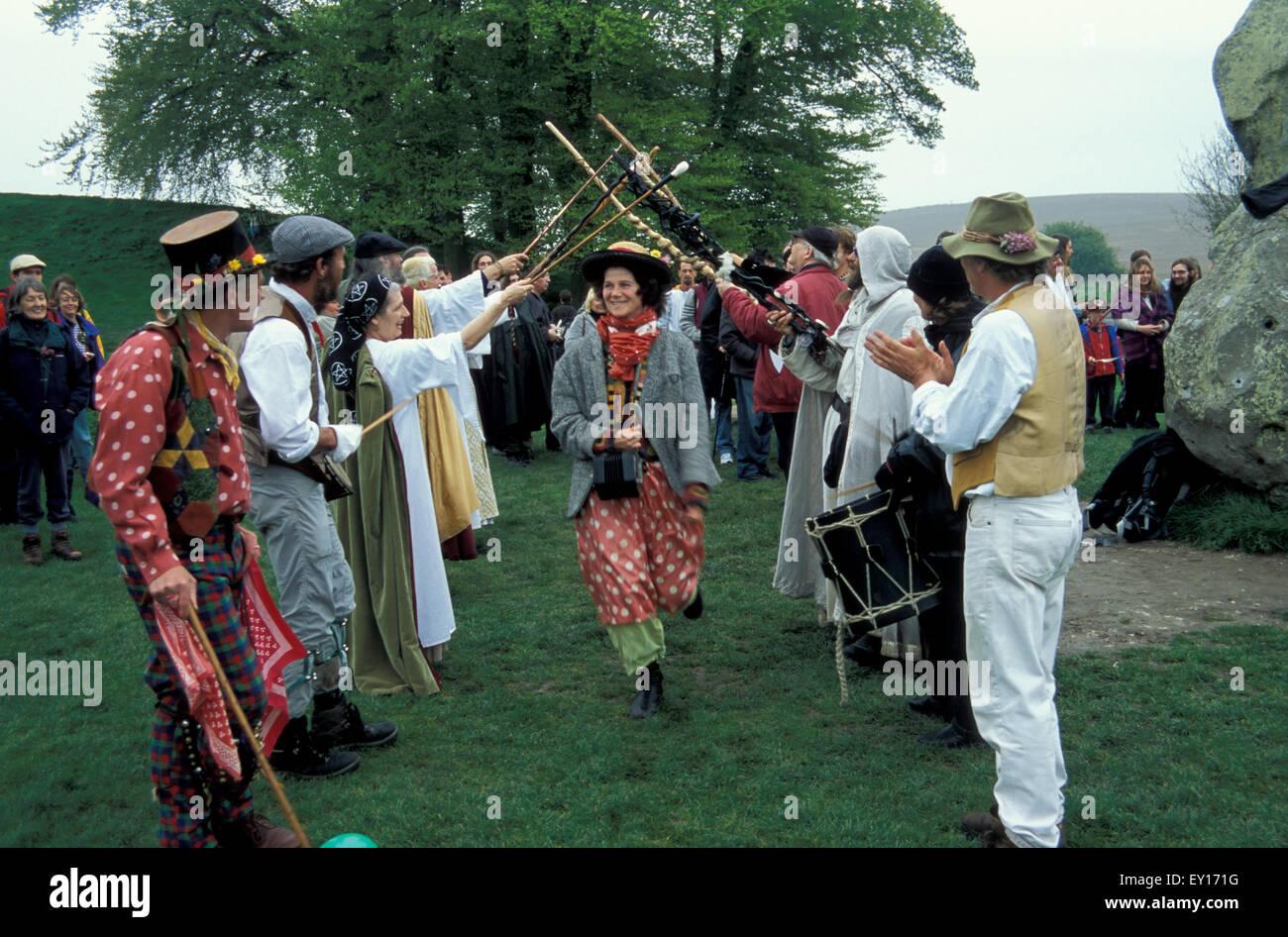 Pagan hand fasting ceremony Avebury Stone Circle Wiltshire - Stock Image
