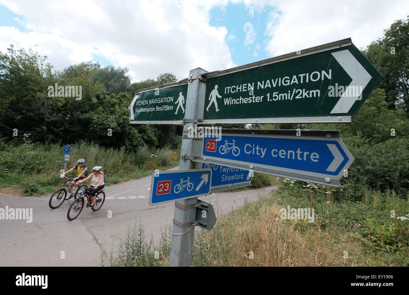 Itchen Navigation footpath signpost and National Cycle Network route 23 sign on route to Winchester - Stock Image
