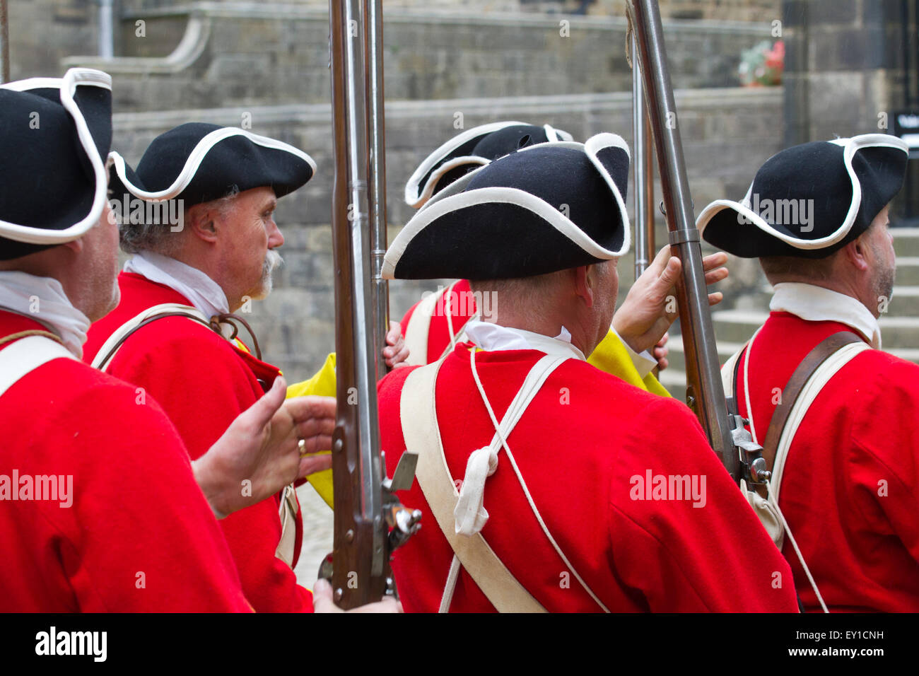 Hoghton Towers, Chorley, Lancashire, UK.19th July, 2015.  Redcoat musketeers at the Battle of Preston – the last Stock Photo