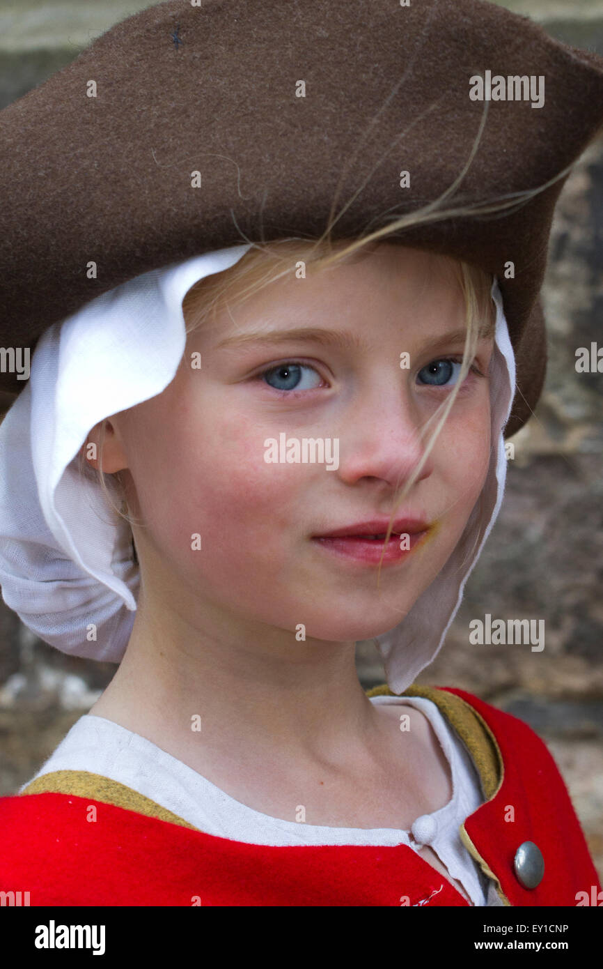 Hoghton Towers, Chorley, Lancashire, UK. 19th July, 2015.   Maddie Richardson aged 9 at The Battle of Preston – Stock Photo
