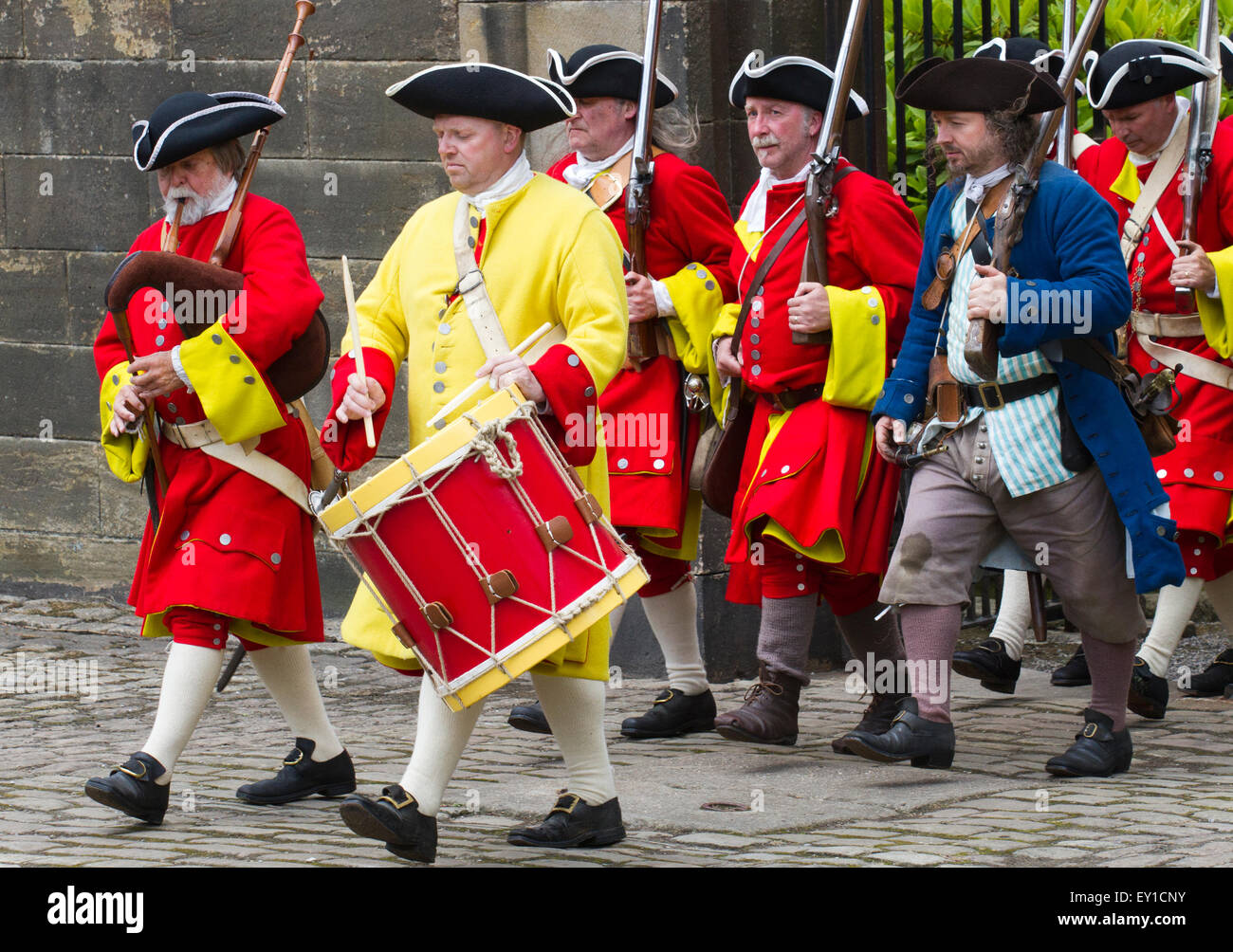 Hoghton Towers, Chorley, Lancashire, UK. 19th July, 2015.  English redcoat musketeers marching at the re-enactment Stock Photo
