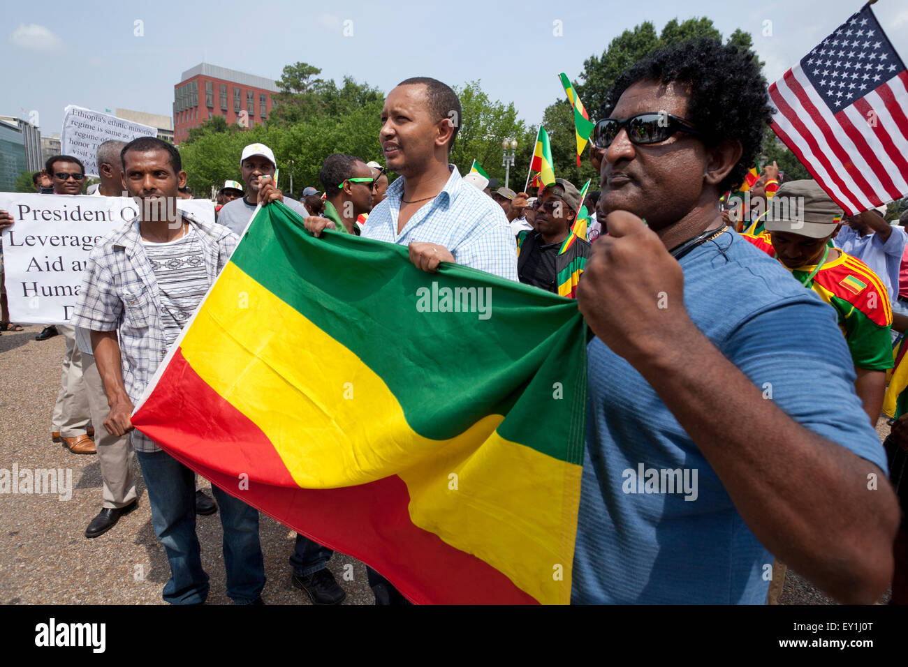 Ethiopian Americans protest outside of the White House against president Obama's planned official visit to Ethiopia - Stock Image