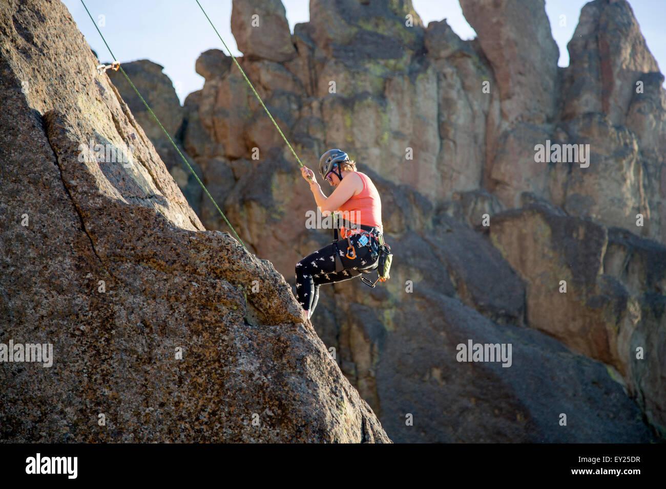 Rock climber, Smith Rock State Park, Oregon, US - Stock Image