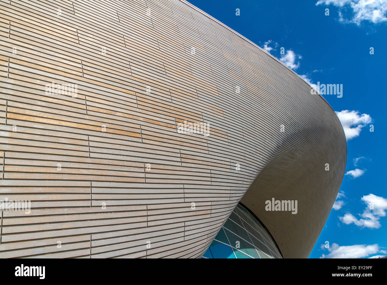 Graceful Curves of the London Aquatic Centre designed by Zaha Hadid - Stock Image