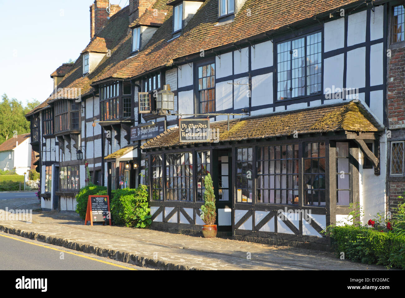 Biddenden Kent, Maydes Restaurant in old Medieval Weavers Houses, England, Britain, UK, GB Stock Photo