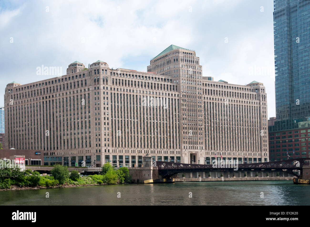 The 1930s Merchandise Mart in Chicago was originally a distribution centre for Marshall Field & Company. - Stock Image
