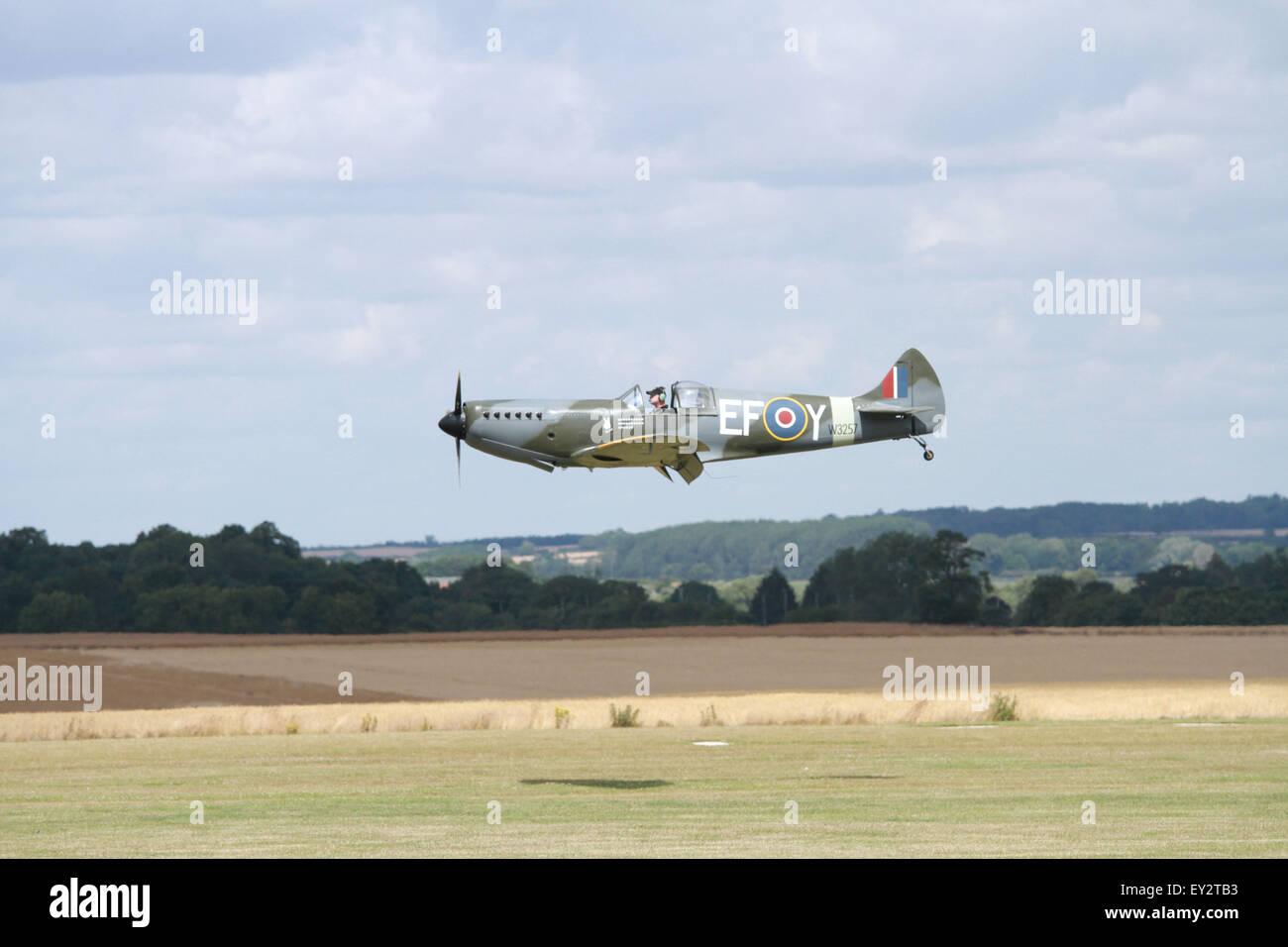 Spitfire Replica Stock Photos & Spitfire Replica Stock Images - Alamy