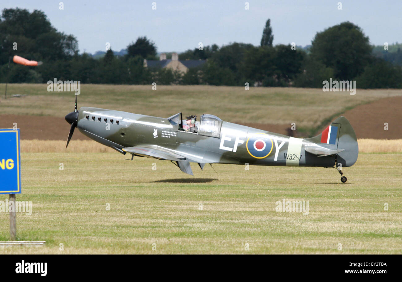 Spitfire Replica Stock Photos & Spitfire Replica Stock Images - Alamy