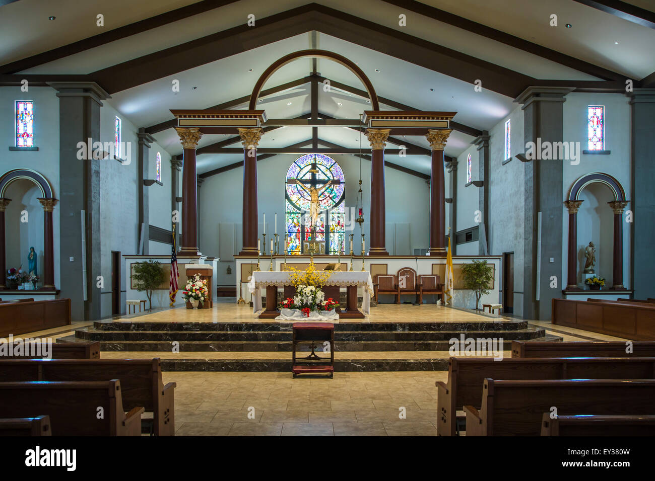 The interior sanctuary of the Immaculate Conception Catholic Church in Cottonwood, Arizona, USA. - Stock Image