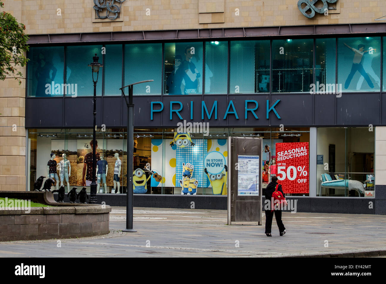 Dundee, Scotland, UK. 21st July, 2015. Sales: Mid Summer Sales in Dundee. Primark the outlet fashion store at the Stock Photo