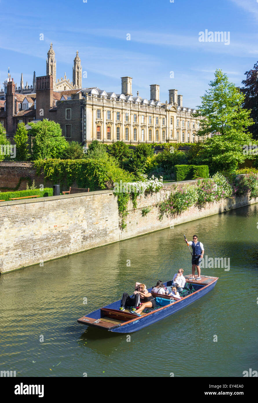 Punting, Clare college and the River Cam Cambridge Cambridgeshire England UK GB EU Europe - Stock Image
