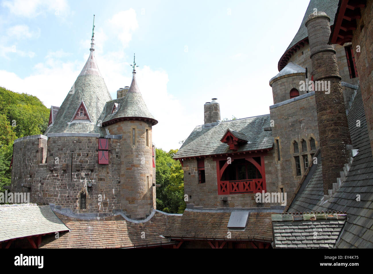 Interior courtyard of Castle or Castell Coch, Cardiff, South Wales, UK - Stock Image