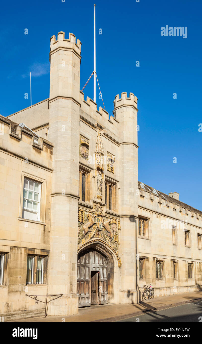 The Great gate at Christs College Cambridge university Cambridge Cambridgeshire England UK GB EU Europe - Stock Image