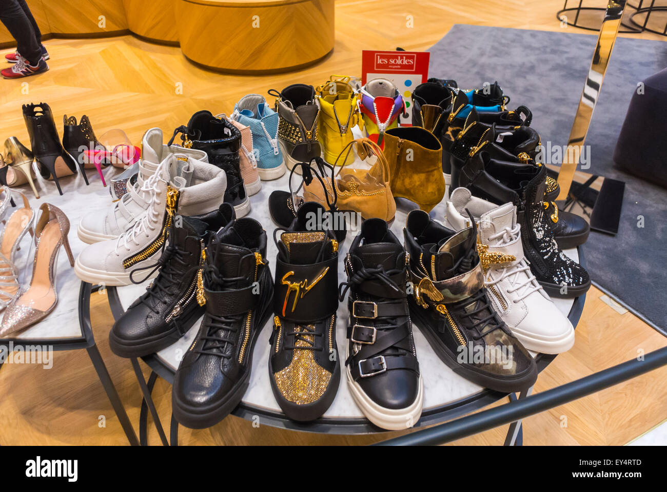 Shoes Store, Luxury Fashion Brands