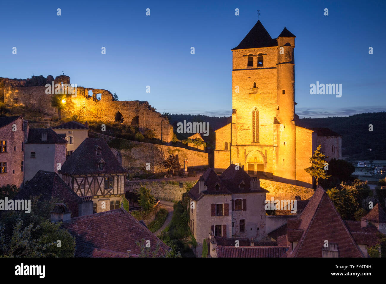 Twilight over medieval town of Saint-Cirq-Lapopie, Vallee du Lot, Midi-Pyrenees, France - Stock Image