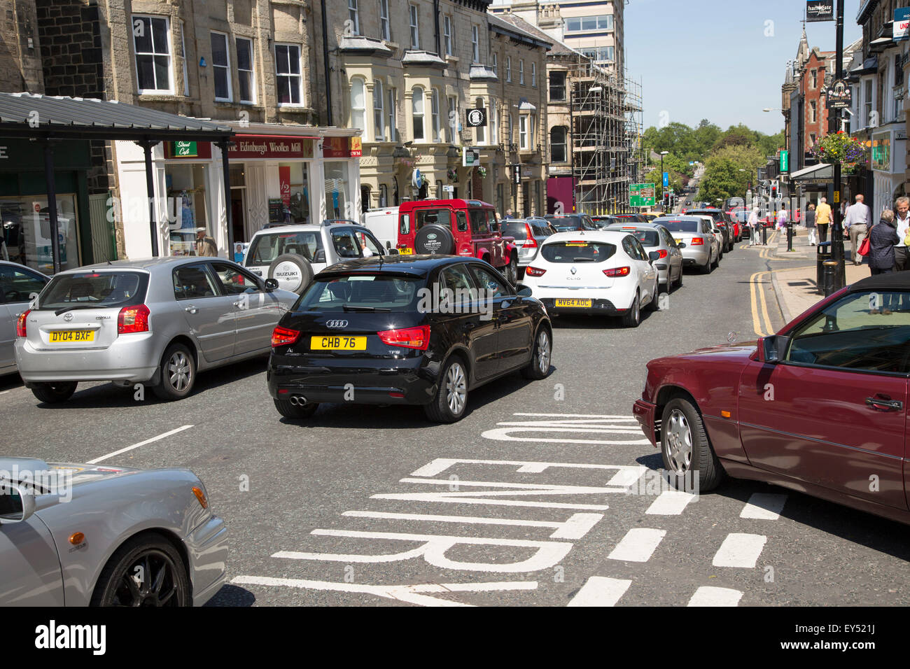 Traffic congestion in town centre of Harrogate, Yorkshire, England, UK - Stock Image