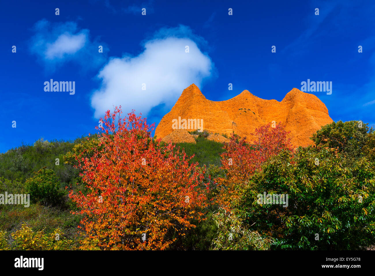 Relief of reddish sand and forest - Las Medulas Spain - Stock Image