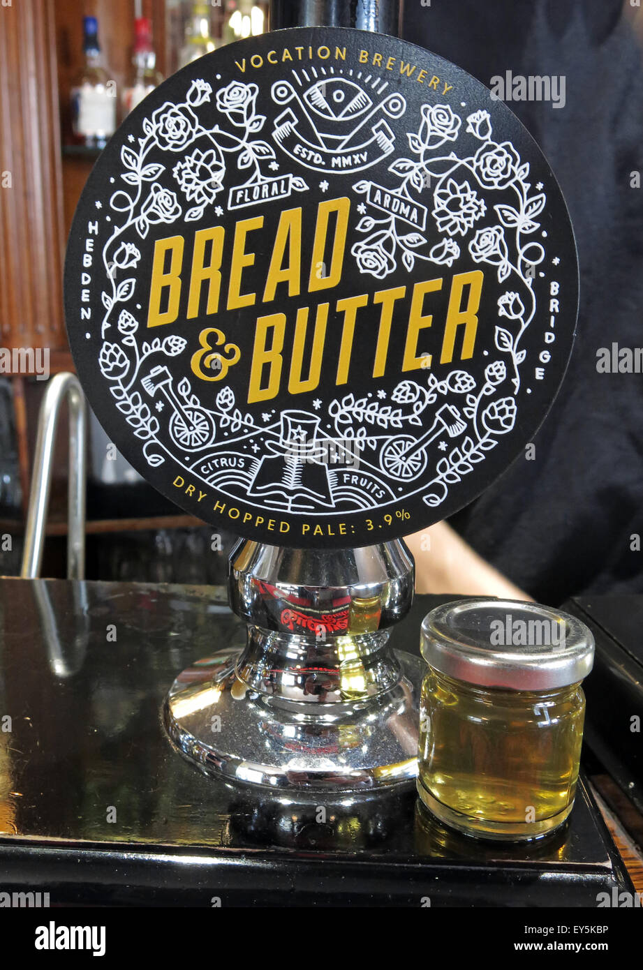 Bread and Butter Real Ale with taster bottle to show light colour Stock Photo