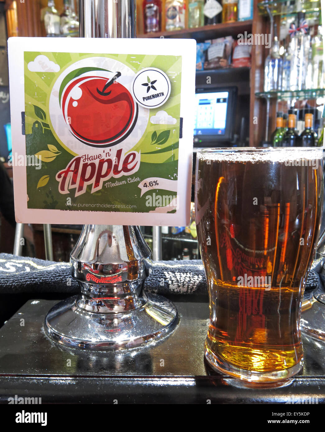 Pure North Haven Apple Cider pint on a bar, England - Stock Image