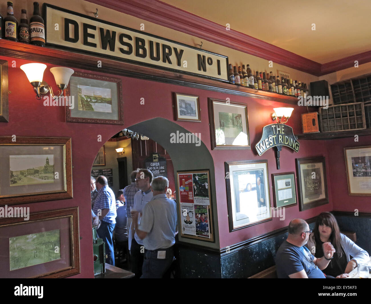 West Riding Pub, Dewsbury Railway Station, West Yorkshire, England, UK,Dewsbury No 1 - Stock Image