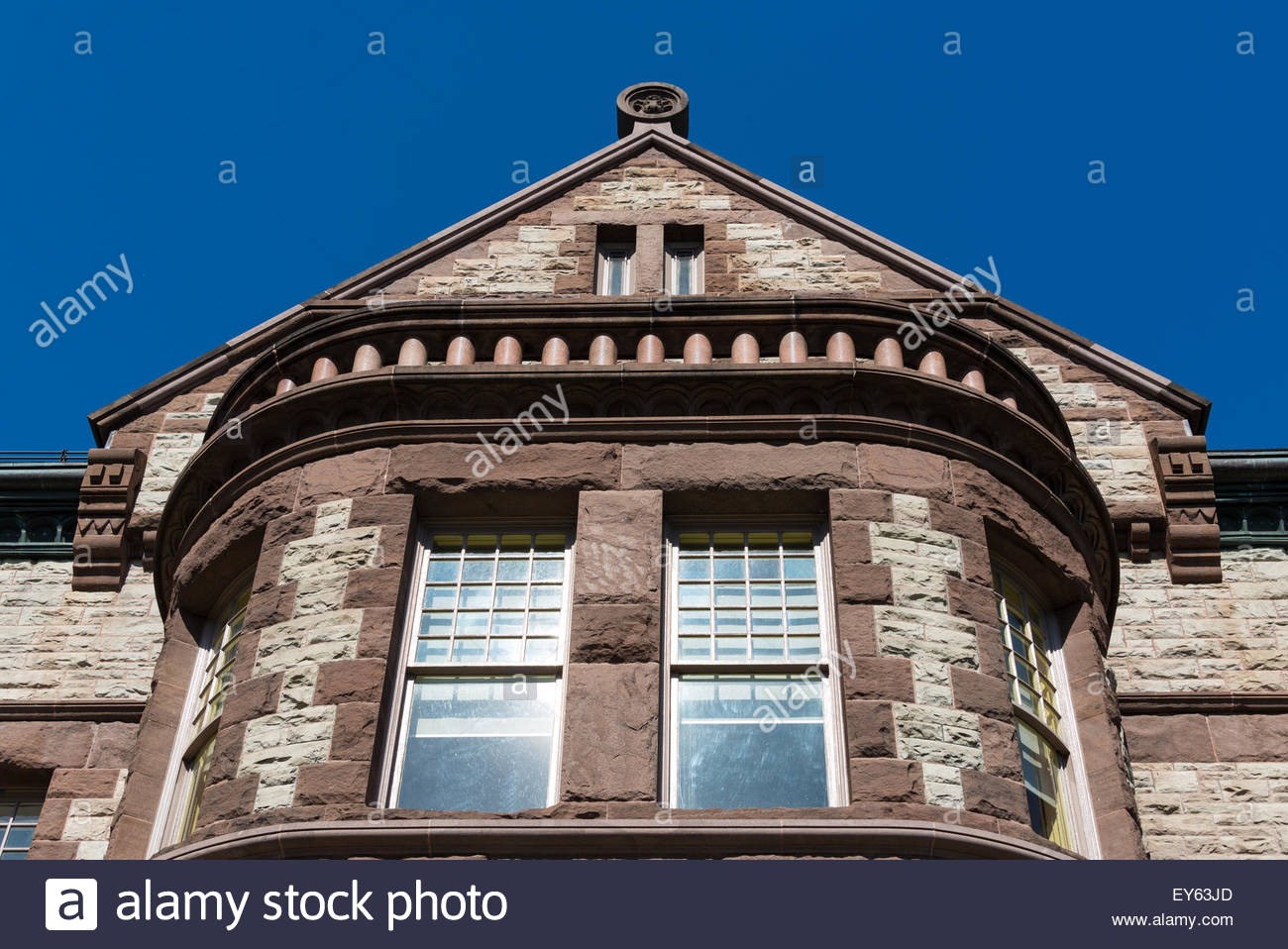 Romanesque revival architecture (Richardsonian Style) in an old building of the University of Toronto - Stock Image