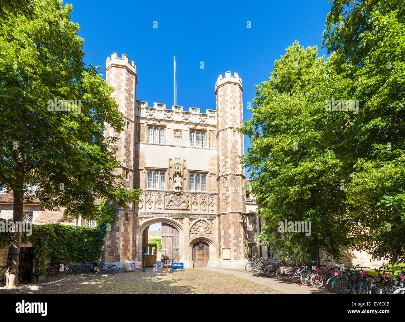 Great gate at Trinity college Cambridge university Cambridge Cambridgeshire England UK GB EU Europe - Stock Image